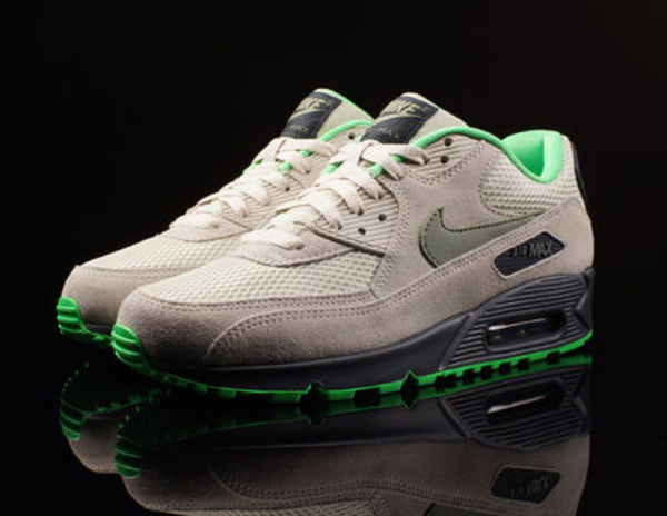 Nike Air Max 90 ESSENTIAL CHRCL POISON GREEN