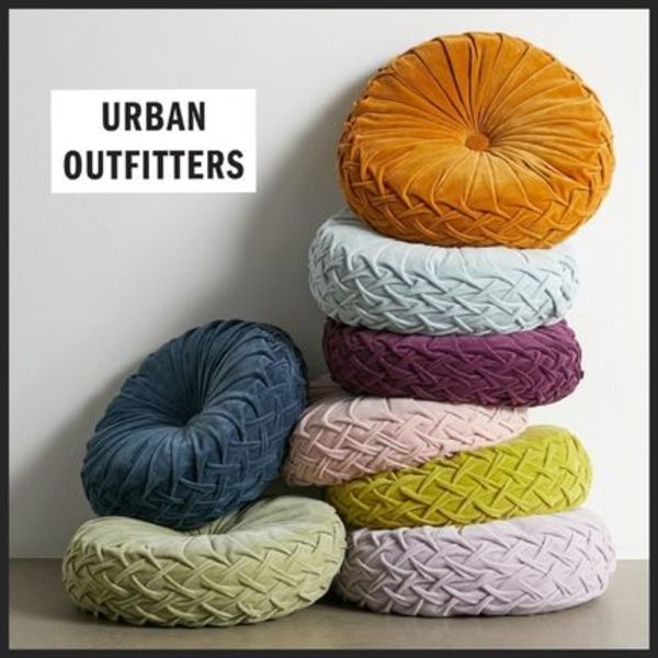 【Urban Outfitters】ピンタッククッション 7色 ベルベット