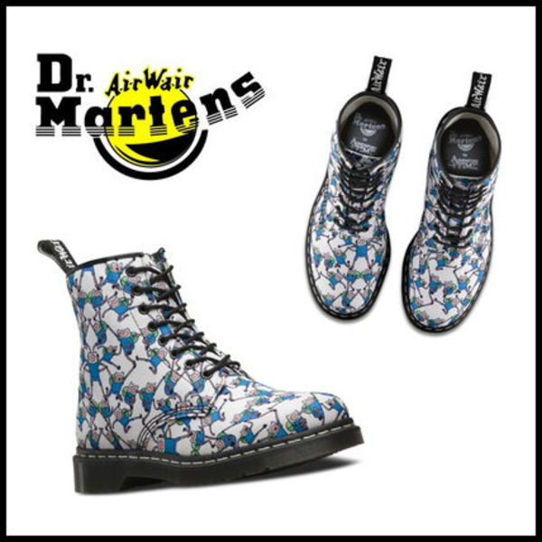 "NEW YEAR SALE アニメ""アドベンチャータイム""×Dr.Martens"
