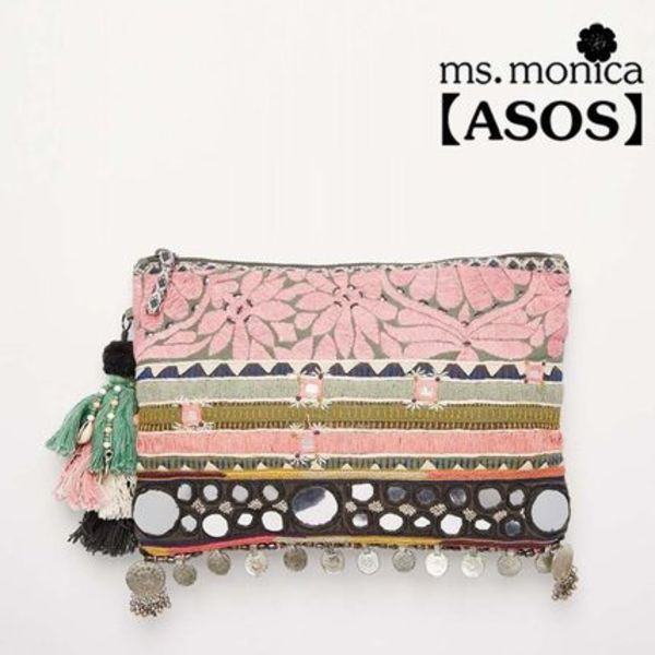 関送料込★【ASOS】Star Mela Clutch with Metal Disc Trim