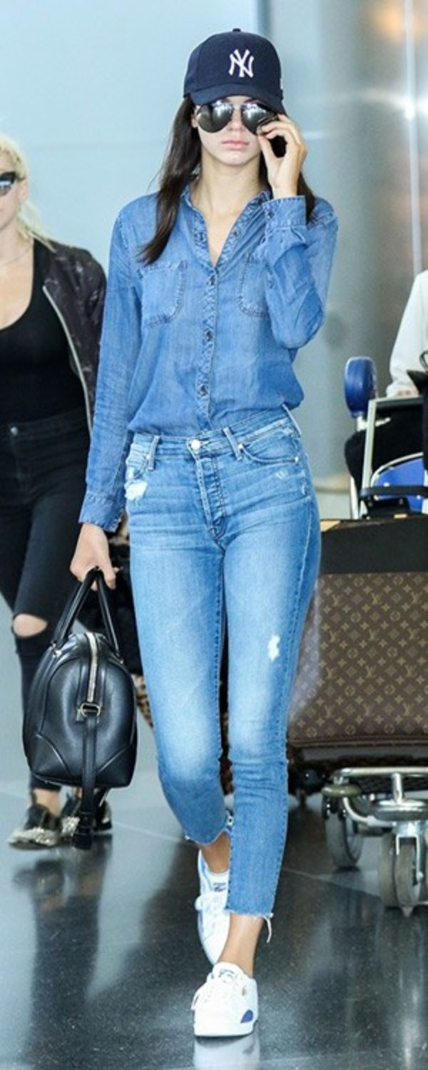 http://i1.wp.com/www.celebstyle.us/wp-content/uploads/2015/05/kendall-jenner-MOTHER-Stunner-Ankle-Fray-Jeans.jpg?w=300
