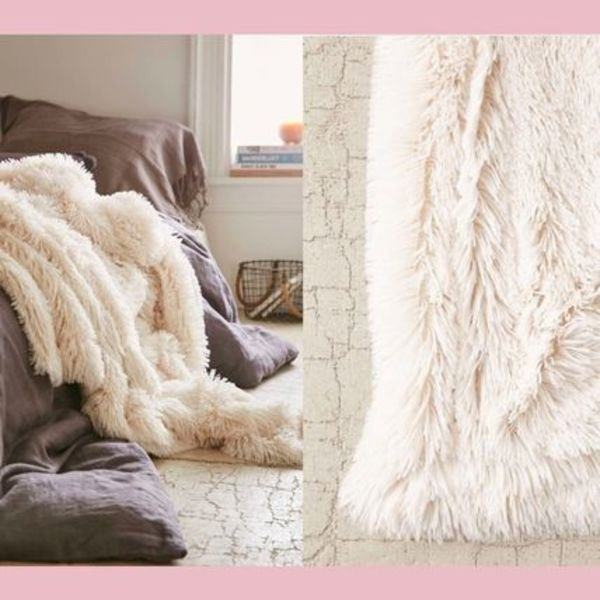 【Urban Outfitters】ファーブランケット Faux Fur Throw