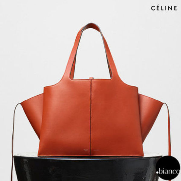 関税送料込CELINE MEDIUM TRIFOLDSHOULDER SUPPLECALF BRICK