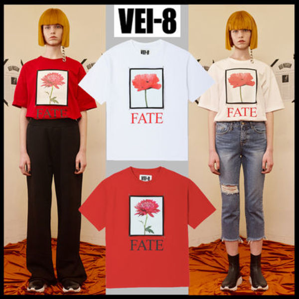 ★韓国の人気★VEI-8★FLOWER PINNED T-SHIRT 2色★UNISEX