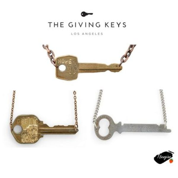 """HOPE""DREAM""BELIEVE""キーネックレス*The Giving Keys *"