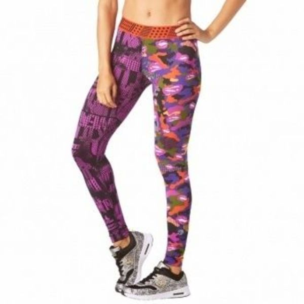 国内発送 Zumba ズンバ Switch It Up Leggings Purple Power