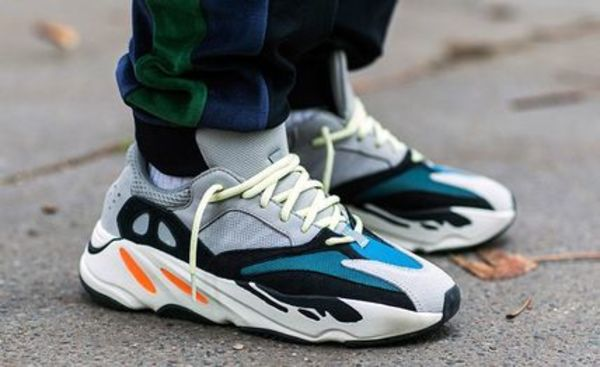 ☆adidasアディダス Yeezy Wave Runner 700 Solid Grey イージー