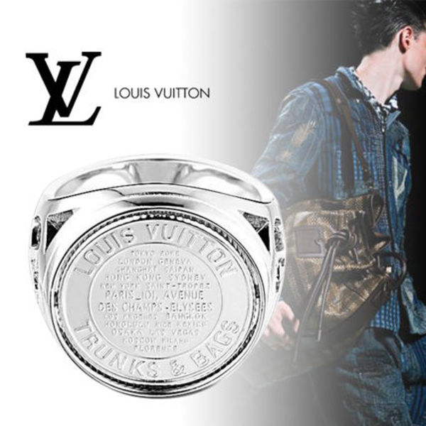 Louis Vuitton(ルイヴィトン) シュヴァリエール・メダリオン