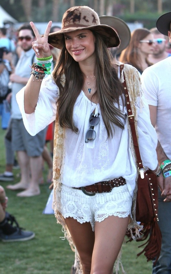 http://www.aceshowbiz.com/events/Alessandra%20Ambrosio/alessandra-ambrosio-2013-coachella-valley-music-and-arts-festival-03.html