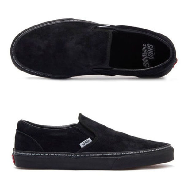 ★VANS★SLIP ON, YEAR OF THE DOG★送料込/追跡付 VN0A38F7PYD