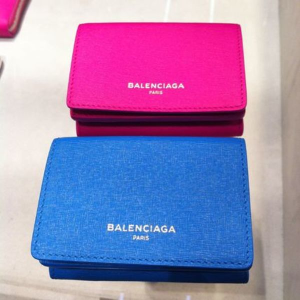 速達EMS便【BALENCIAGA】Essential Mini Wallet 3つ折り財布