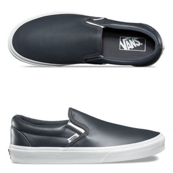 ★VANS★LEATHER CLASSIC SLIP ON★送料込/追跡付 VN0A38F7QD2