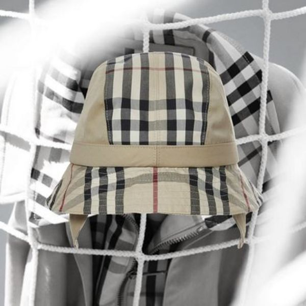 **GoshaRubchinskiyXBurberry**Stephen Jones Bucket Hat Honey