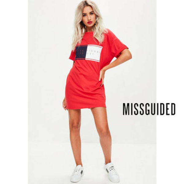 Missguided レッドスローガンTシャツワンピース