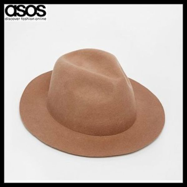 ASOS エイソス  Fedora Hat In Camel Felt Unstructured Brim