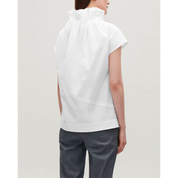 COS☆COLLAPSING NECK COCOON TOP / white
