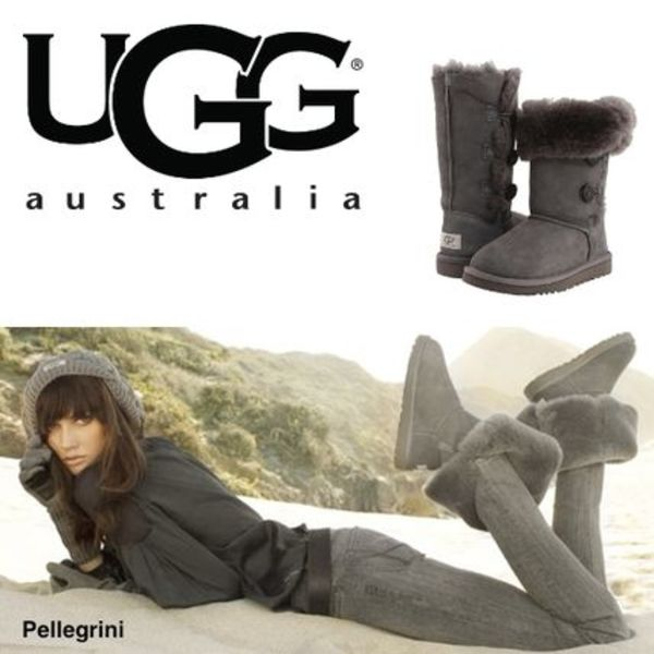 【18-24.5㎝】大人も履ける!!UGG Bailey Button Triplet