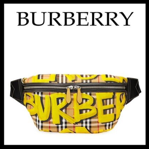 18-19AW 新作 Burberry☆チェック グラフティプリント バッグ