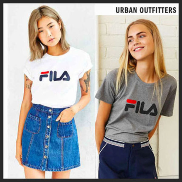 【Urban Outfitters】FILA★ロゴT【関税・送料込】