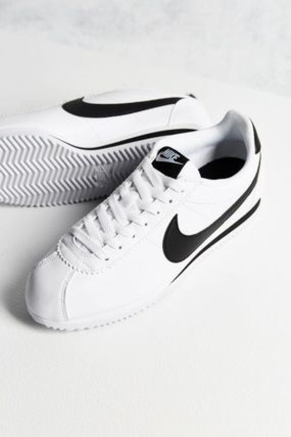 ナイキ★レディースClassic Cortez Leather Sneaker