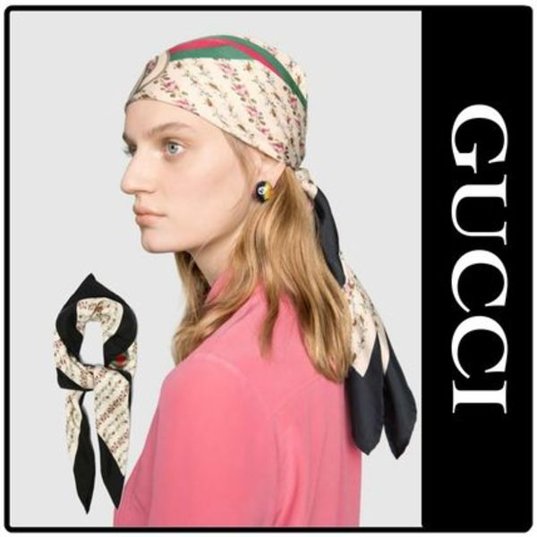★GUCCI★人気のスカーフRose printed Gucci scarf