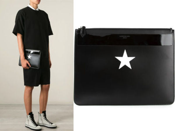15SS G031 GIVENCHY STAR PRINT CLUTCH BAG