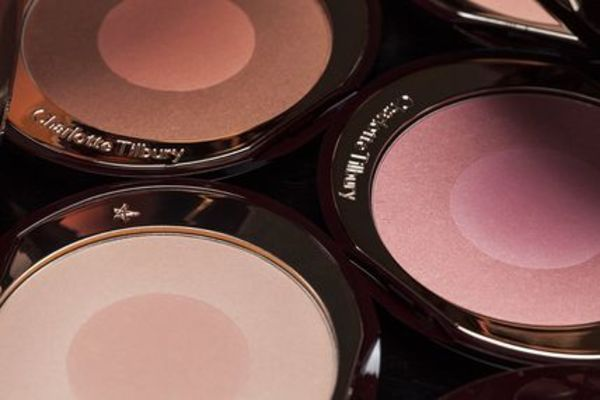 CHARLOTTE TILBURY Cheek To Chic Swish & Pop Blusher チーク