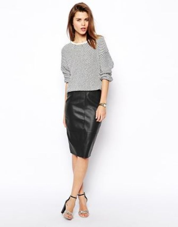 クールなレザースカート ASOS Pencil Skirt in Leather Look