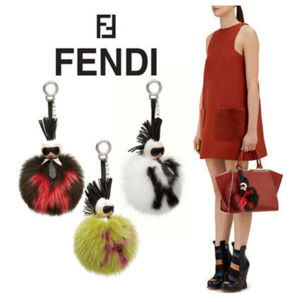 AW★FENDI Karl fox-fur bag charm♪【関税/送料込】