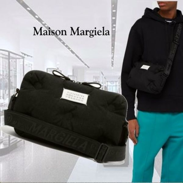 **MAISON MARGIELA**Logo-print-quilted-cross-body-bag