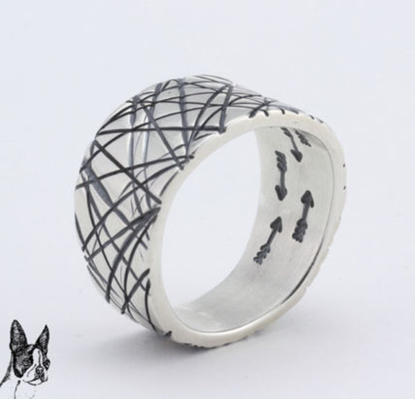 ☆Cody Sanderson☆ Cat Scratch Ring with the interior arrows