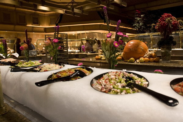 http://www.luxor.com/images/dining/dining_more_buffet6_big.jpg