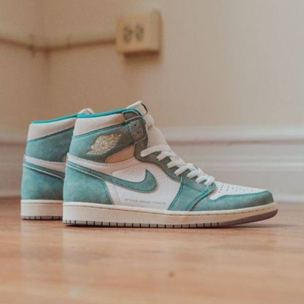 ★完売間近★Air Jordan 1 Retro High OG 'Turbo Green'★