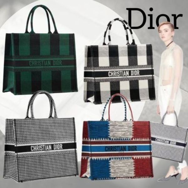 人気! 要問合 Dior DIOR BOOK TOTE BAG IN EMBROIDERED CANVAS