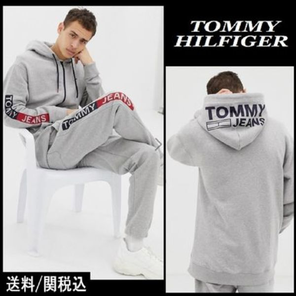 【Tommy Hilfiger】Jeans essential sleeve graphics パーカー♪