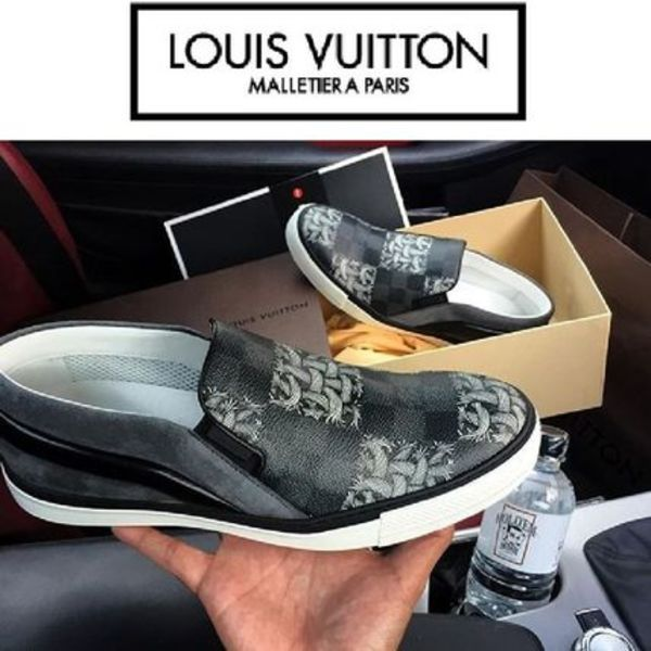 Louis Vuitton SLIP-ON TWISTER 新作アイテム