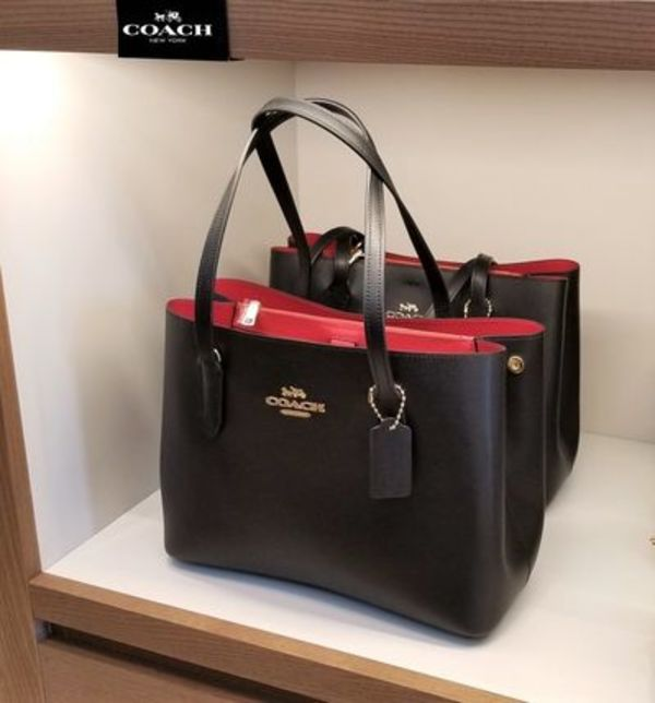 【COACH】新作 アベニュートートー バイカラー ★ 即発関税込み