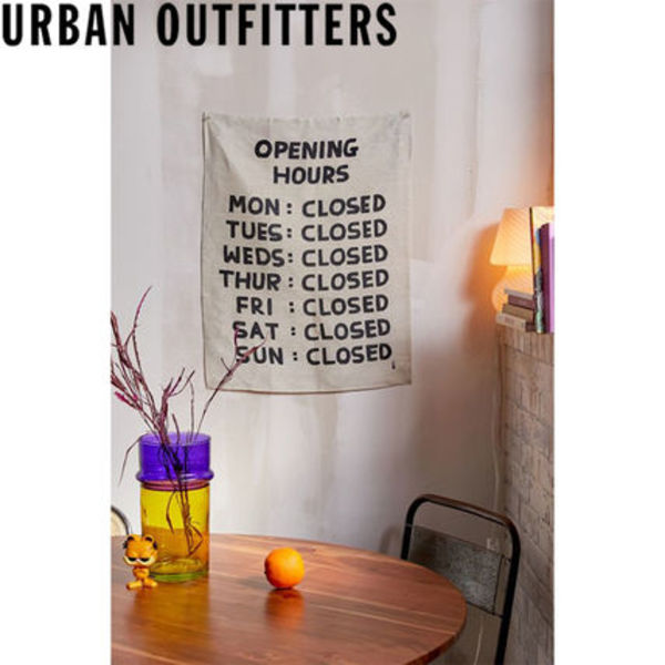 大人気★ Urban Outfitters  Open Hours タペストリー