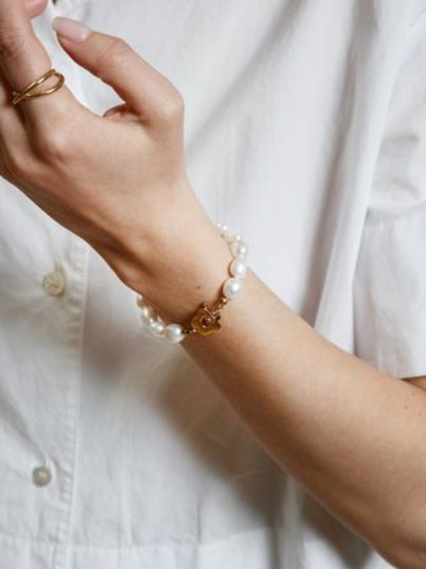 Wolf Circus/淡水パールブレスレット Lola Bracelet in Gold