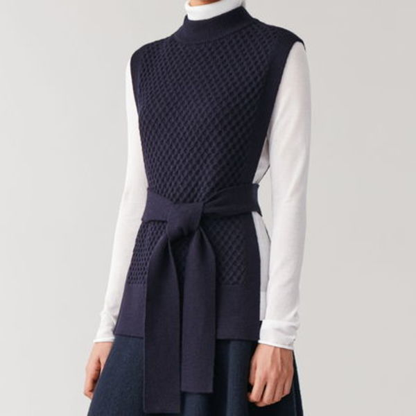 """COS"" MERINO CABLE KNIT TABARD MIDNIGHTBLUE"