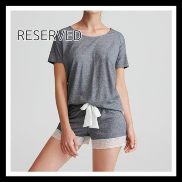 RESERVED☆レース裾 パジャマ