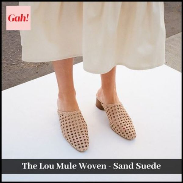 【Lisa Says Gah】注目ブランド The Lou Mule Woven-Sand Suede