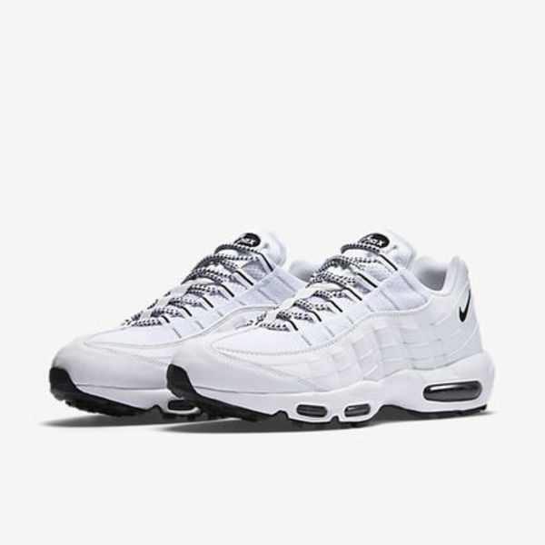☆正規品☆NIKE AIR MAX 95 (WHITE / BLACK /BLACK) 完売前に!