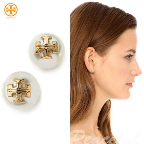 【即発&SALE】Tory Burch☆人気のEvie Pearl Stud Earrings