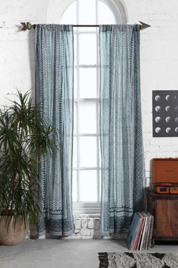 2色!Urban Outfitters Magical Thinking Scallop  Curtain