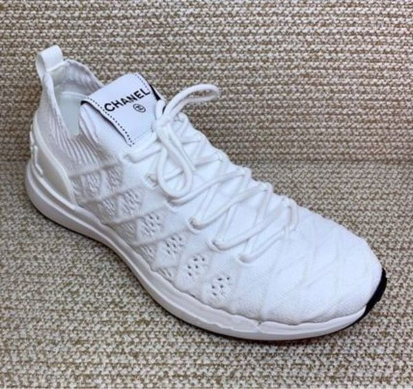 早い者勝ち 20B CHANEL Knitted SNEAKER in white