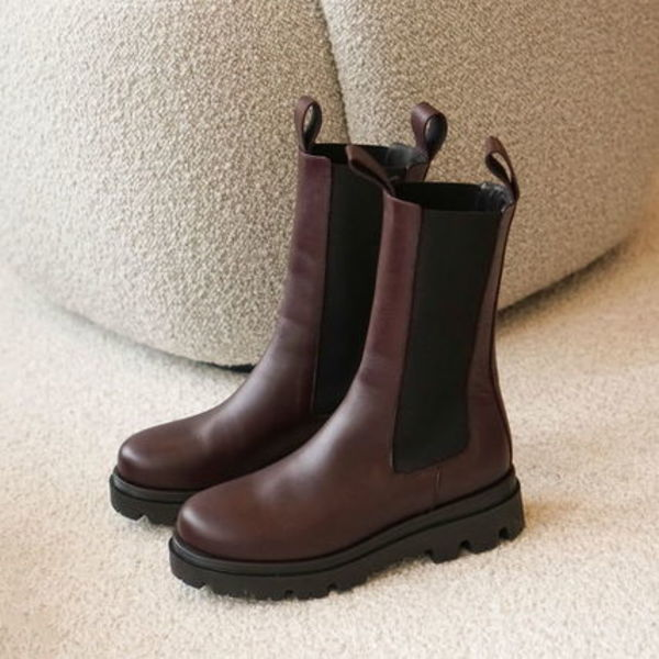 """""""Flattered"""" Lia Leather Boots Burgundy"""