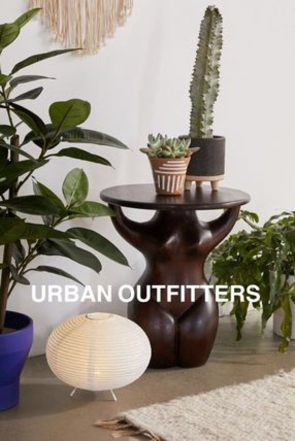 ☆URBAN OUTFITTERS☆マンゴーウッド素材☆Goddess Side Table