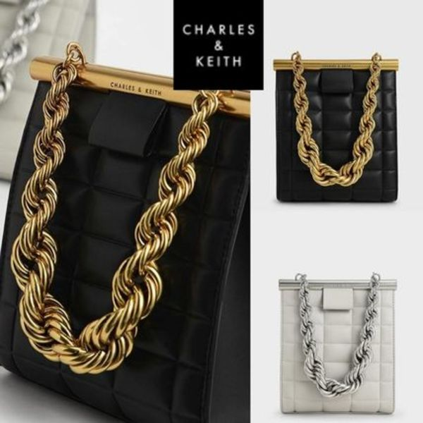 ★ Charles & Keith★Quilted chain handle cross body bag★2色