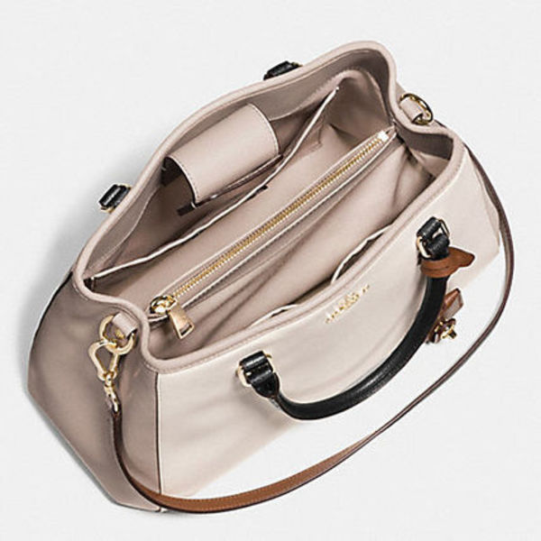 COACH SMALL MARGOT CARRYALLシリーズ